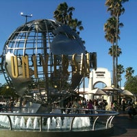 Foto scattata a Universal Studios Hollywood Globe and Fountain da Zach P. il 8/9/2012