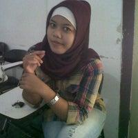 Photo taken at Pempek Palembang 'Raja Rasa' by Vhyda A. on 5/5/2012