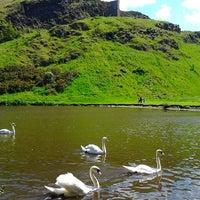 6/19/2012 tarihinde Jen L.ziyaretçi tarafından Holyrood Park'de çekilen fotoğraf