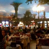 3/10/2012 tarihinde CHARLES P.ziyaretçi tarafından Le Cafe Ile St-Louis'de çekilen fotoğraf