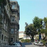 Foto tomada en Türk Musikisi Devlet Konservatuarı por Cemal K. el 7/11/2012