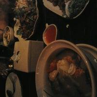 Photo taken at ร้านอาหารบ้านโรงสีไฟ by Nubeer K. on 6/19/2012