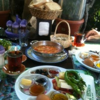 Photo taken at Cemal Usta'nın Yeri by Neslihan K. on 7/4/2012