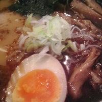 Photo taken at 麺処 田ぶし by Hiromy T. on 8/19/2012