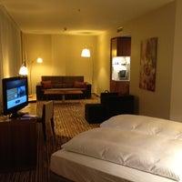 Das Foto wurde bei Hotel Nikko Düsseldorf von Max S. am 2/29/2012 aufgenommen