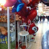 Foto tomada en Patio de Comidas Mall Florida Center por Claudio Q. el 7/12/2012