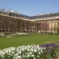 Foto tirada no(a) Jardin du Palais Royal por Yannou P. em 3/24/2012