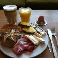 Das Foto wurde bei Cafe MAY von Carsten am 4/2/2012 aufgenommen