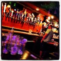Foto tirada no(a) Crown & Anchor Pub por Christopher G. em 7/23/2012