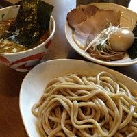 Photo taken at らーめんマル汁屋 by kentaro n. on 8/25/2012