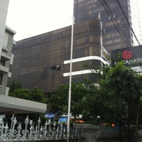 Photo taken at Gajah Mada Plaza by deddy l. on 2/28/2012