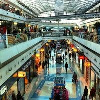 รูปภาพถ่ายที่ Centro Comercial Vasco da Gama โดย Shaheen A. เมื่อ 2/29/2012