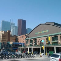 Foto tirada no(a) St. Lawrence Market (South Building) por Louis-Felix B. em 3/25/2012