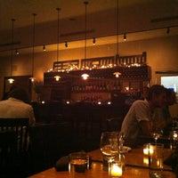 Foto tirada no(a) Local 111 por Sumeera R. em 8/5/2012