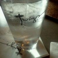 Das Foto wurde bei Twigs Bistro & Martini Bar von Barry M. am 6/13/2012 aufgenommen