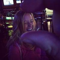 Das Foto wurde bei Bru's Room Sports Grill - Delray Beach von Crist J. am 3/7/2012 aufgenommen