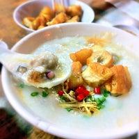 Photo taken at Ah Chiang's Porridge by Daniel A. on 4/21/2012