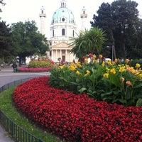 9/5/2012 tarihinde uralkalziyaretçi tarafından Karlskirche'de çekilen fotoğraf