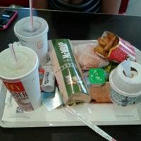 Foto tomada en McDonald's por Максим А. el 8/12/2012