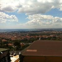 9/1/2012 tarihinde La S.ziyaretçi tarafından Çamlıca Restaurant'de çekilen fotoğraf