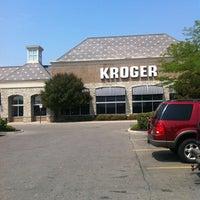 Photo taken at Kroger by Chikorina W. on 7/18/2012