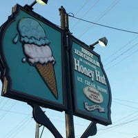 Photo taken at Honey Hut Ice Cream Shoppe by Henry R. on 6/7/2012