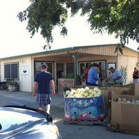 Photo taken at Charter Family Fruit Stand by MO G. on 8/10/2012