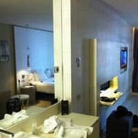 Foto tomada en Hotel Grums Barcelona por Mario B. el 4/19/2012