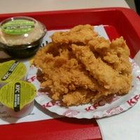 Foto tomada en KFC por Martin W. el 7/14/2012