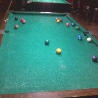 Foto tirada no(a) Pirata Snooker Bar por Wil M. em 7/20/2012