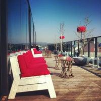 Das Foto wurde bei 25hours Hotel Wien beim MuseumsQuartier von Eugene N. am 6/1/2012 aufgenommen