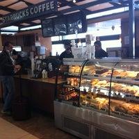 Foto diambil di Starbucks oleh Nattalia S. pada 9/7/2012