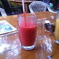 Photo taken at Domnic Juice Bar by Lena A. on 3/22/2012