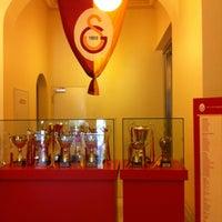 9/7/2012 tarihinde Duygu ✨ziyaretçi tarafından Galatasaray Müzesi'de çekilen fotoğraf