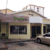 Photo taken at Freshco Bar Orgánico by Idalis on 6/9/2012