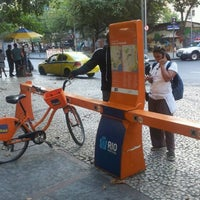 Photo taken at BikeRio - Estação 40 Largo do Machado by Paulo R. on 8/2/2012