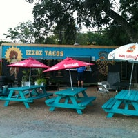 Photo taken at Mellizoz Tacos by Robin A. on 8/9/2012