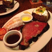 Photo taken at Outback Steakhouse by Rattana R. on 8/4/2012