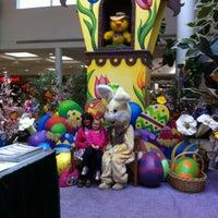 4/3/2012にValentino H.がMeridian Mallで撮った写真
