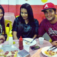 Photo taken at Lanche e Pizzaria F. T. by Romulo' L. on 9/12/2012
