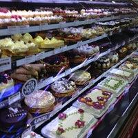 Foto scattata a Whole Foods Market da scott s. il 6/9/2012