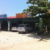 Photo taken at Nha Hang Hai Son by Cota on 4/19/2012