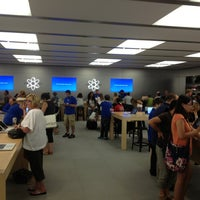 Photo taken at Apple Somerset by Terry W. on 8/27/2012