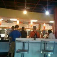 5/28/2012 tarihinde Chris G.ziyaretçi tarafından Z Burger'de çekilen fotoğraf