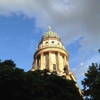 6/5/2012 tarihinde Sergey L.ziyaretçi tarafından Französischer Dom'de çekilen fotoğraf