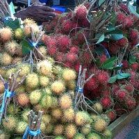 Photo taken at Pasar Malam Telok Mas Hari Isnin by dakAdik on 7/2/2012