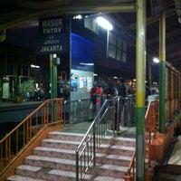 Photo taken at Stasiun Cawang by Ananto Yudi H. on 2/28/2012