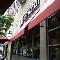 Das Foto wurde bei First Watch von Jennifer am 7/4/2012 aufgenommen