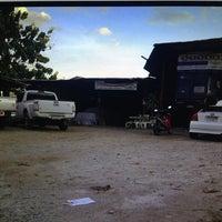 Photo taken at อู่ยอดการช่าง บางนา Yodautogarage by Montree on 8/12/2012