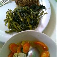 Photo taken at Karapitan Fried Chicken (Warung Ijo) by Lusiana S. on 6/15/2012